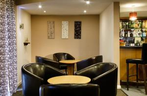 The lounge or bar area at ibis Lincoln