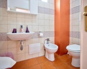 A bathroom at Solerosa