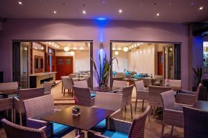 Een restaurant of ander eetgelegenheid bij Pyramos Hotel