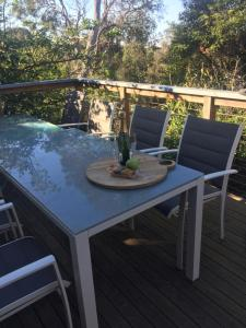 A balcony or terrace at Skipper's Retreat