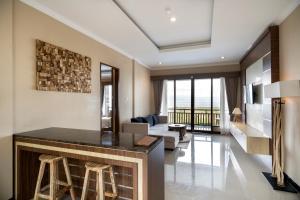 A seating area at Semabu Hills Hotel Nusa Penida