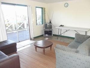 A seating area at Green Lodge Holiday Homes
