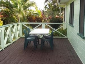 A balcony or terrace at Green Lodge Holiday Homes