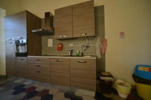 Dapur atau dapur kecil di Ostello Palazzo Nizza