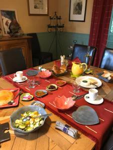 Restaurant ou autre lieu de restauration dans l'établissement Demeure des Monts d'Or