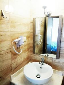 Ένα μπάνιο στο Zea Waves apartments