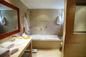 A bathroom at El Mirador Complejo Turístico