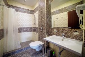 A bathroom at Guest House Asteria