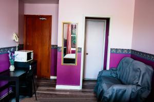A seating area at Hotel Casa Bella
