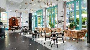 Een restaurant of ander eetgelegenheid bij Orea Spa Hotel Cristal