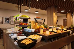A restaurant or other place to eat at All Suite Island Hotel Istra