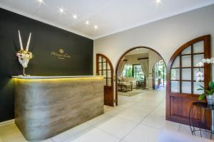 The lobby or reception area at Hlangana Lodge