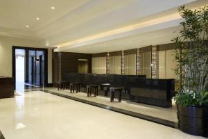 Area lobi atau resepsionis di Hotel Trusty Tokyo Bayside