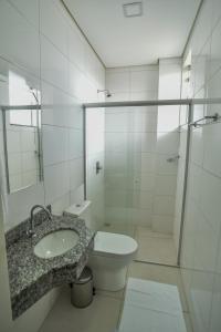 A bathroom at Pianna Hotel