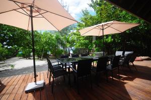 Um restaurante ou outro lugar para comer em #7 Beach Villa Bliss by TAHITI VILLAS