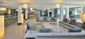 The lounge or bar area at Sol Lunamar Apartamentos - Adults Only