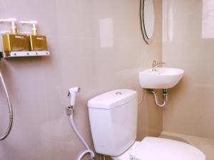 A bathroom at Kuta Sari House