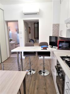 Cucina o angolo cottura di Bilocale NUOVO Vicino UnipolArena e Bologna