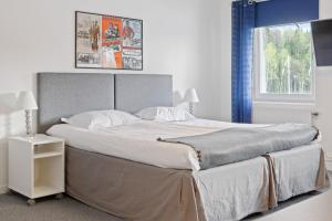 A bed or beds in a room at Route 154
