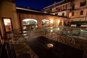 Restaurant ou autre lieu de restauration dans l'établissement Albergo Le Due Corti
