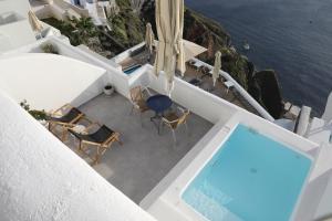 Majoituspaikan Panorama Suites uima-allas tai lähistöllä sijaitseva uima-allas