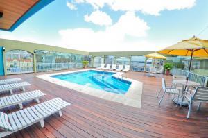 A piscina localizada em Ritter Hotéis ou nos arredores
