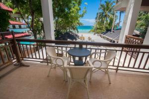 A balcony or terrace at Sur Beach Resort Boracay