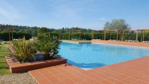 The swimming pool at or close to Mercure Aix-En-Provence Sainte-Victoire