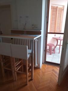 Prostor za ručavanje u hostelu