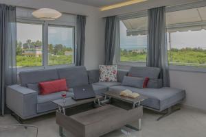 A seating area at Evgenia Apartment