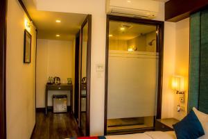 A bathroom at M Hotel Thamel-Kathmandu
