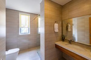 Phòng tắm tại Babylon Garden - a VIE collection
