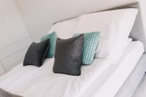 A bed or beds in a room at Hypnotize Apartment