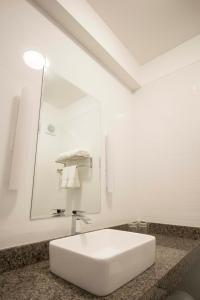 A bathroom at Tierra Viva Miraflores Centro
