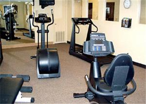 The fitness center and/or fitness facilities at SpringHill Suites by Marriott Dallas NW Highway at Stemmons / I-35East