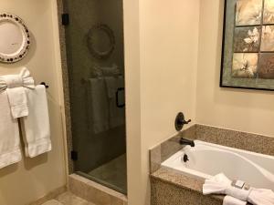 A bathroom at Oceano Hotel and Spa Half Moon Bay Harbor