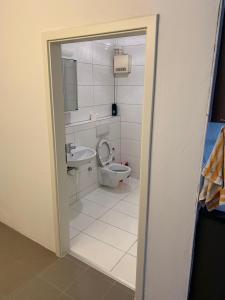 A bathroom at El Greco