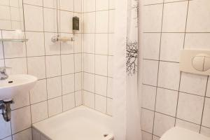 A bathroom at Fosshotel Baron
