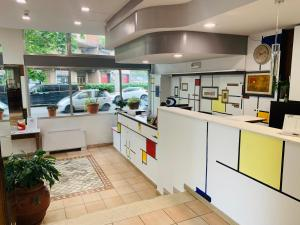 A kitchen or kitchenette at Hotel Real Ristorante e Pizzeria PARKING FREE !!!