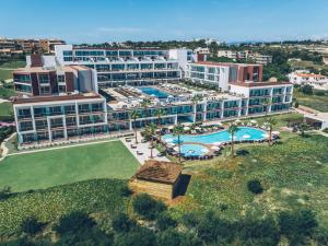 A view of the pool at Iberostar Selection Lagos Algarve or nearby