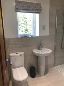 A bathroom at Bricket House