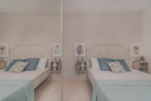 Letto o letti in una camera di Astarte Villas - Villa Siesta with Private Pool