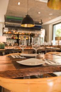 Un restaurante o sitio para comer en The Corner House