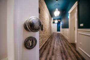 A bathroom at Riva Palace - design rooms