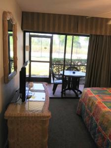 A seating area at Grand Lake & Lifetime of Vacations Resorts