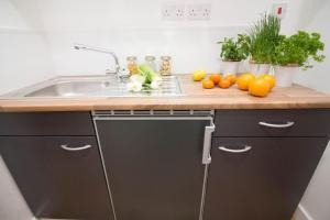 A kitchen or kitchenette at Trafalgar House