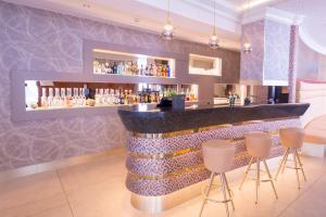 Лаундж или бар в Hotel Krone Unterstrass