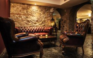 The lobby or reception area at Fitzpatrick Castle Hotel