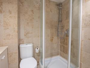A bathroom at Jot Cottage