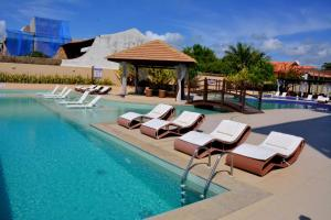 The swimming pool at or close to Barra Bali Barra